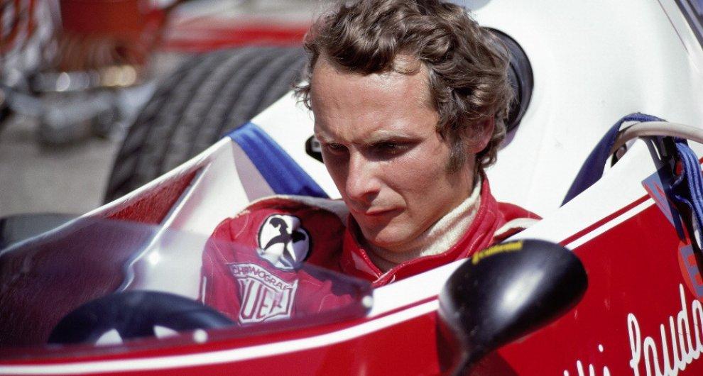 enzo ferrari and niki lauda with 1 on Flying Ferraris Flugplatz Niki Lauda German Gp 1975 as well 1 as well 350 Ediciones Especiales Ferrari Por Su 70 Cumpleanos 294083 likewise Shadow Dn5 Formula 1 Car as well Gilles Villeneuve.