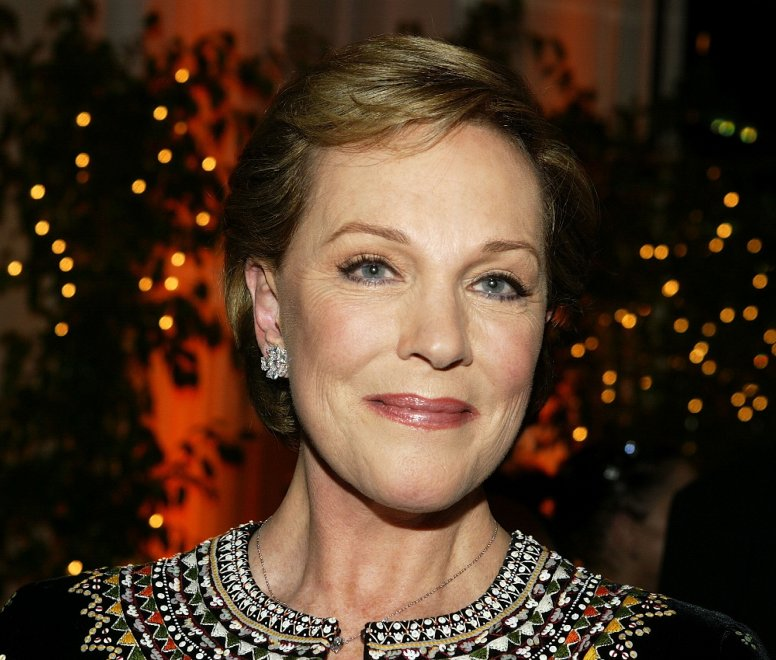 Buon compleanno mary poppins julie andrews compie anni