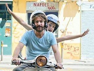 """""""A Napoli non piove mai"""", """"Per chi non si arrende"""""""
