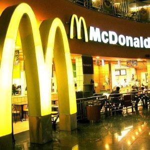"""Esposto del Codacons contro McDonald's: """"Possibile evasione, deve al Fisco fino a 224 mln"""""""