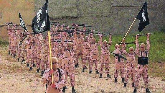 """Scalfari, colloquio con Prodi: """"L'Is non si batte solo con i bombardamenti. Obama rafforzi l'esercito di Assad"""""""