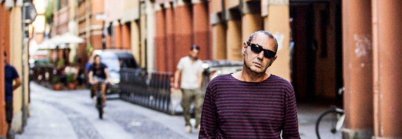 """Luca Carboni: """"Il mio disco """"Pop-up"""" per abbattere i muri e arrivare alla gente"""" -  Video  -  Webnotte"""
