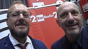 I 20 anni del 'Ruggito del coniglio' festa a Radio2 con Presta & Dose    vd  - La canzone di Pooh e Paiella