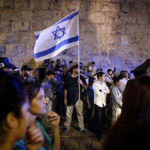 Tensione in Israele dopo aggressioni agli ebrei. Città vecchia vietata