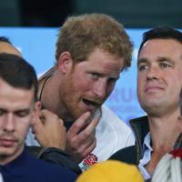 Rugby, Inghilterra eliminata: la disfatta nei volti dei fan. C'è anche il principe Harry