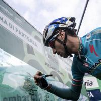 Ciclismo, Nibali trionfa al Giro di Lombardia