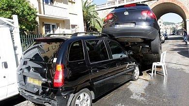 Tempesta sulla Costa Azzurra  17 morti e diversi dispersi   foto   -   video