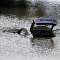 Inondazione Costa Azzurra, 21 morti: anche un italiano fra le vittime. Polemiche su...