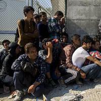 """Migranti, il Times: """"Piano segreto per espellerne 400mila"""""""