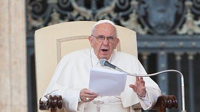 """Sinodo, il Papa: """"Lo spirito familiare è Carta costituzionale per la Chiesa""""   vd"""