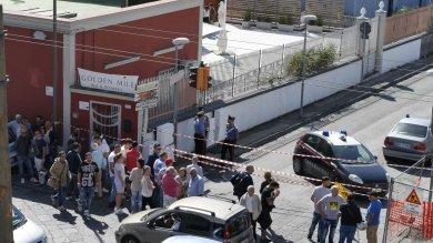 Ercolano, gioielliere reagisce a rapina   vd   2 aggressori uccisi a colpi di pistola   foto