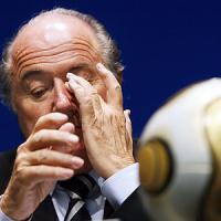 Fifa, Blatter verso la sospensione: Comitato etico chiede stop di 90 giorni. Ora attesa per Platini