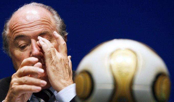 Blatter verso la sospensione, chiesti 90 giorni