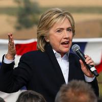 Usa, Hillary Clinton propone tassa che colpisce Wall Street
