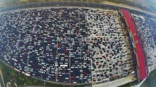 Pechino, grande muraglia di auto al casello un ingorgo da incubo