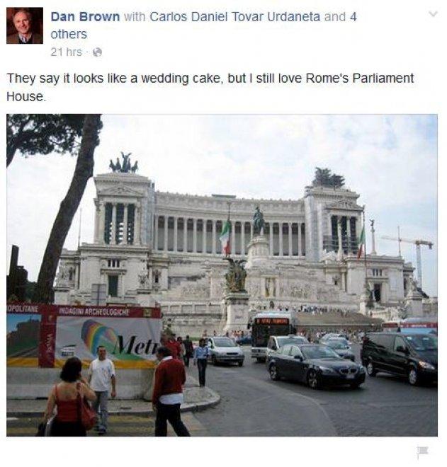 La gaffe di Dan Brown: scambia l'Altare della Patria per il Parlamento, poi si corregge