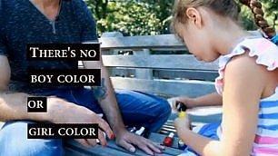 """""""Sì, mia figlia mi mette lo smalto"""" manicure al papà contro stereotipi"""