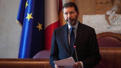 Roma, Marino: le dimissioni solo lunedì Vaticano attacca. Minoranza Pd: primarie