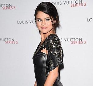 Selena Gomez, lo stop ha un terribile segreto: la chemioterapia