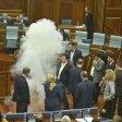 Video  Kosovo, scontri  in parlamento: opposizione nazionalista lancia lacrimogeni in aula