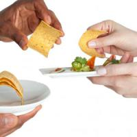 Il ristorante a casa propria e sul web: il social eating è un business in crescita