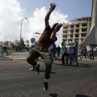 Tensione in M.O: scontri a Gaza, morti 7 palestinesi