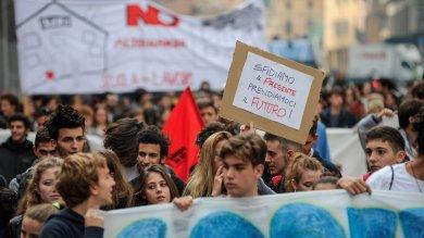 Buona scuola, studenti tornano in piazza  cortei e sit-in contro riforma /   Foto  Roma