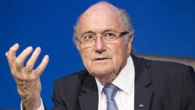 Fifa-Uefa, decapitato il calcio mondiale Blatter fa ricorso contro la sospensione