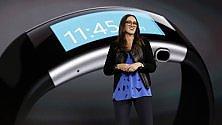 Windows 10 in tasca, sul tavolo e al polso: la nuova Microsoft /    Foto