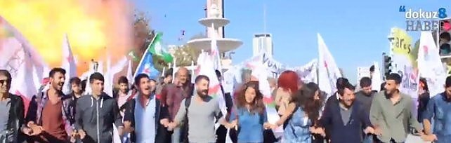 Turchia: attentato ad Ankara, 30 morti  f   oto     Video  I canti, poi l'esplosione alla stazione    dir tv