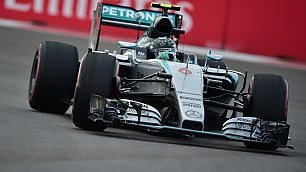 E' sempre Mercedes  Rosberg in pole, Vettel 4°   Incidente  Sainz    video