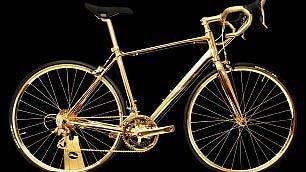Bici d'oro e mouse Swarowski  il superfluo più costoso (e inutile)