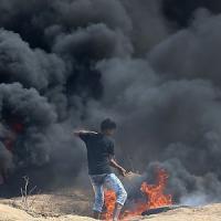 Gaza, raid israeliano: morte madre e figlia. Ucciso un 13enne. Quattro ebrei accoltellati