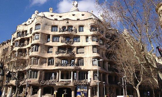 Barcellona. Una metropoli da scoprire in bicicletta