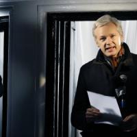 "WikiLeaks, Scotland Yard rinuncia a vigilare sull'ambasciata d'Ecuador. ""Ma la caccia ad..."