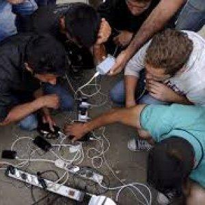 Dalla Siria all'Europa con lo smartphone: l'hi-tech al servizio dei migranti