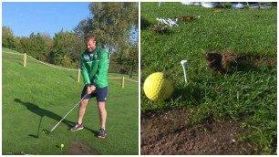 Il rugbista si cimenta nel golf ma scava la buca: un disastro