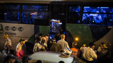 Assalto a bus a Gerusalemme Est   foto  -  vd   Israele: 3 attentati in poche ore, 3 morti