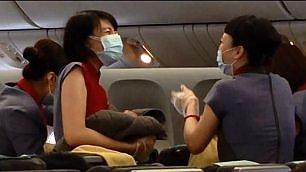 Il miracolo della nascita in volo Parto in aereo, emozione a bordo