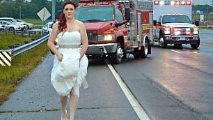 C'è incidente, la sposa paramedico lascia cerimonia e soccorre i feriti