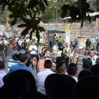 "Israele ""sigilla"" i settori arabi di Gerusalemme"