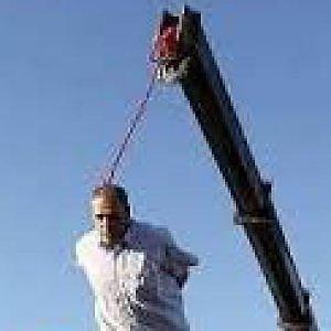 Iran, impiccati una ragazza e un giovane minorenni al momento del reato
