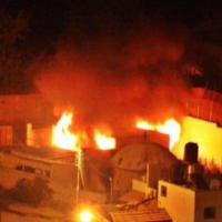 Nablus, palestinesi incendiano la tomba di Giuseppe