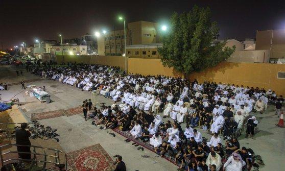 Arabia saudita, cinque morti in una moschea sciita nell'est. Ucciso l'aggressore