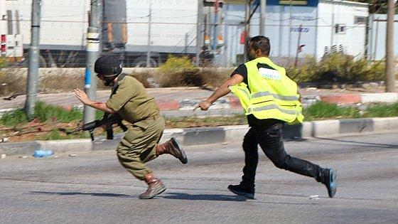 Medio Oriente, escalation di violenza: altri cinque attentati. 'Neutralizzati' gli aggressori