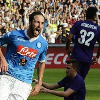 Napoli-Fiorentina 2-1, Insigne e Higuain fanno volare i partenopei