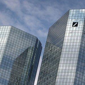 85e0172d2b Deutsche Bank cambia volto, il mercato apprezza - Repubblica.it