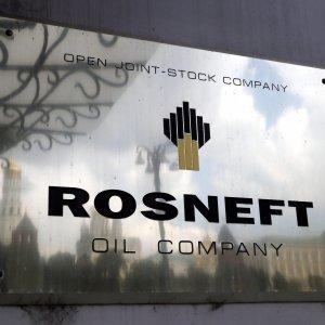 I russi di Rosneft fanno cassa con la raffineria dei Moratti