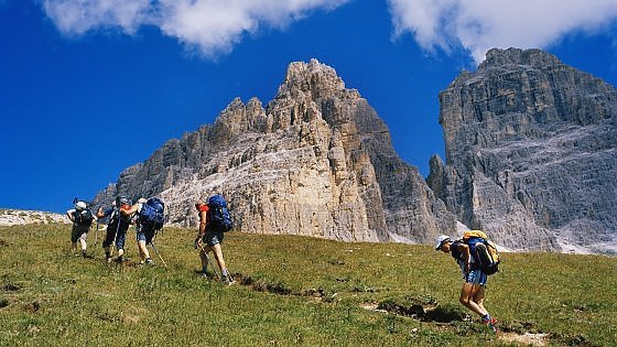 Risultati immagini per viaggi slow  apiedi italia