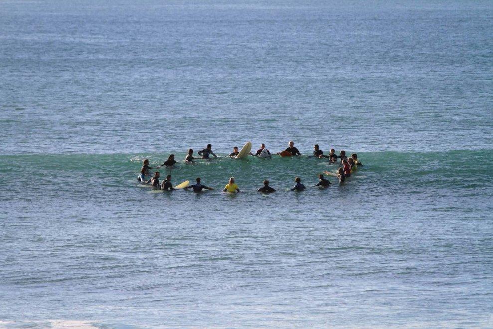 Sulle onde per abbattere i muri: arabi e israeliani insieme sul surf